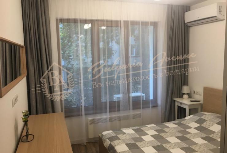 Апартамент с 1 спальней, расположен в новом доме класса люкс в самом центре Варны