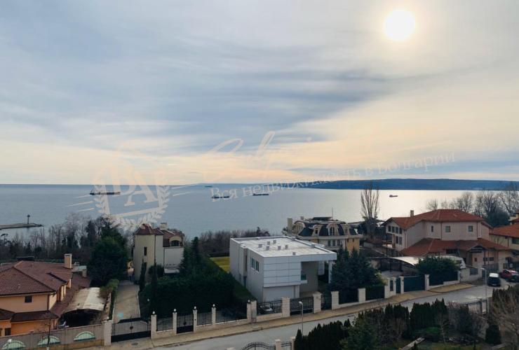 Новый двухэтажный дом