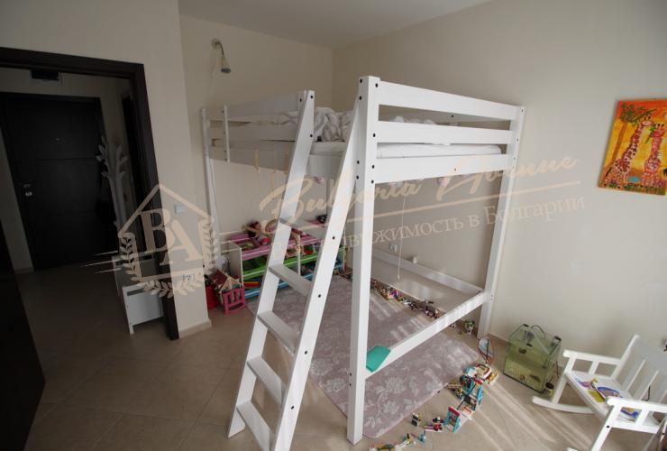 Меблированная квартира с 1 спальней, к.Солнечный Берег