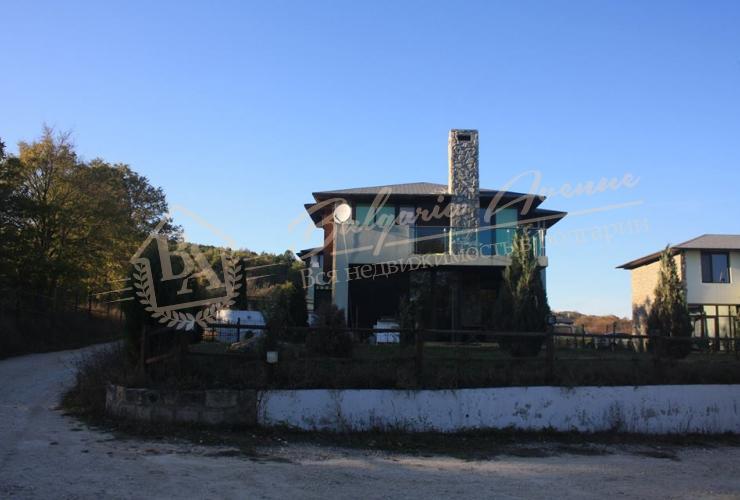 Дом с видом на море и горы