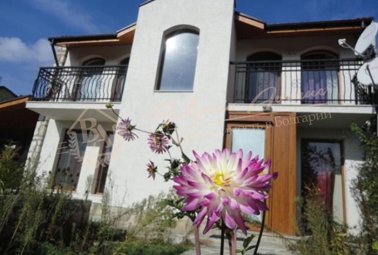 Отличный дом расположен в 3 км от моря, в Варненской области