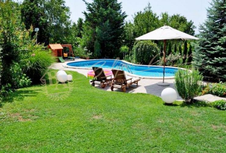 Исключительный дом класса люкс на 4 этажа, расположена в морской столице г.Варна.