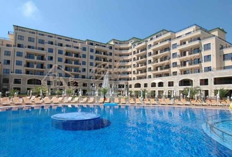 Апартамент с 1 спальней на 1 линии около отеля Адмирал, Золотые пески
