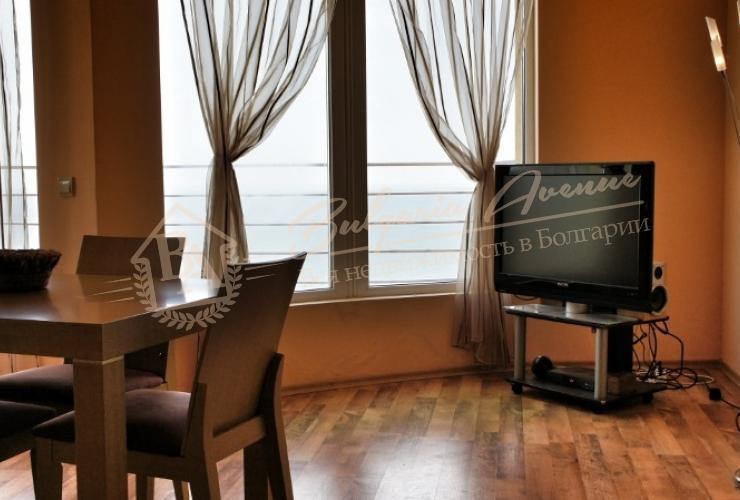 Трехкомнатная квартира с панорамным видом на море, к.Албена