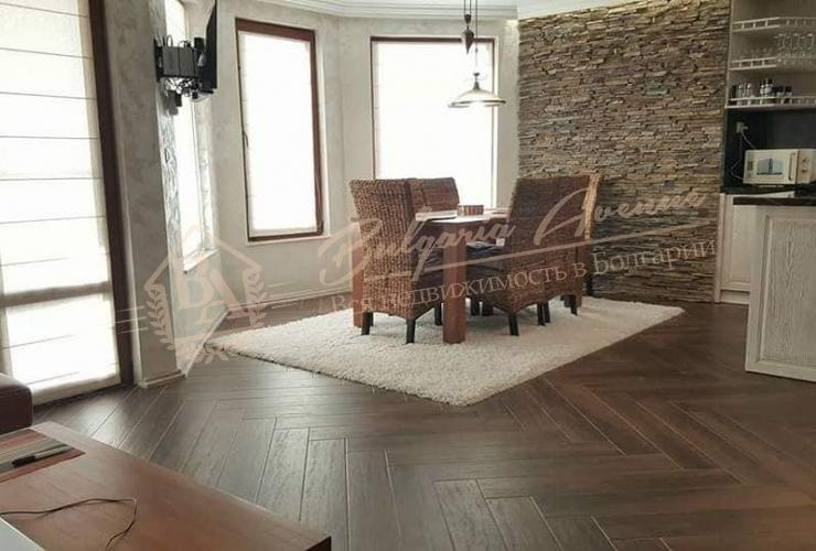 современной техникой и мебелью