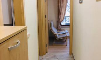 Уютная, светлая квартира с 2 спальнями в элитном новом доме в самом центре города Варна.