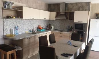 Новый, отремонтированный дом