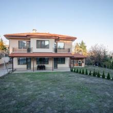 Новый дом с двором в городе Варна